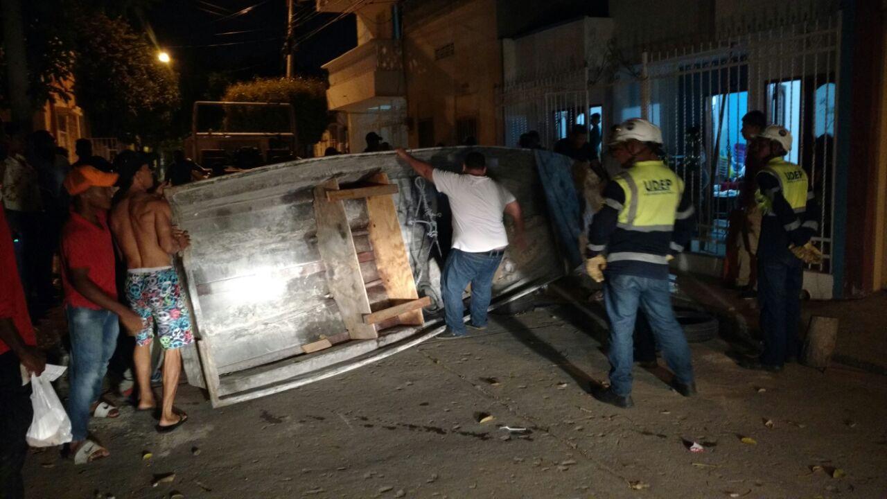Alcald a aprovecha la noche para retirar mobiliario del for Mobiliario espacio publico