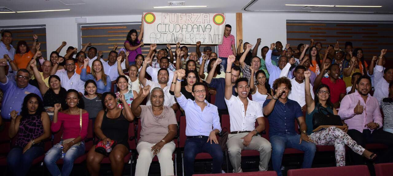 Carlos Caicedo propone modelo de gobierno contra la corrupción y la desigualdad en su paso por Cartagena