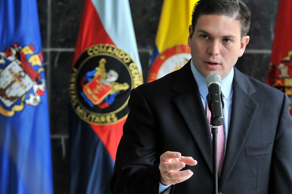 Juan Carlos Pinzón renunció al Partido de la U y anuncia candidatura presidencial