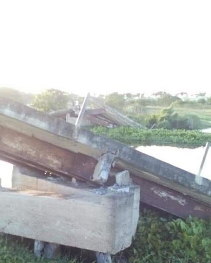 Colapsó puente que comunica los corregimientos de Balsamo y zapayan Magdalena