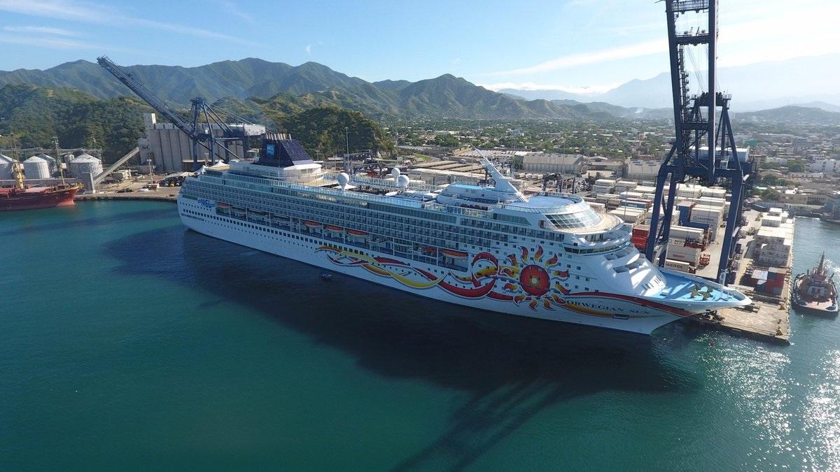 #EnImágenes Un nuevo crucero arriba en el Puerto de Santa Marta